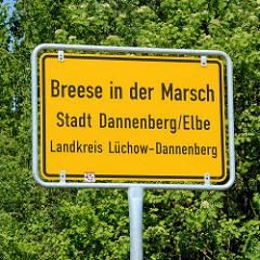 Ortsschild Breese in der Marsch, Stadt Dannenberg / Elbe; Landkreis Lüchow Dannenberg.