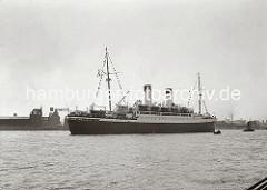 Das Passagierschiff MONTE SARMIENTO lief 1924 vom Stapel und hat eine Länge von knapp 180m - Die Reederei Hamburg- Südamerikanische Dampfschifffahrtsgesellschaft ließ den 14 Knoten schnellen Dampfer auf der Hamburger Werft Blohm + Voss bauen.