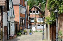 Gasse mit historischen Häusern - Wohnhäusern in Dannenberg.