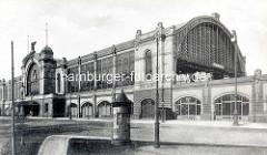 Alte Fotografie vom Dammtorbahnhof in Hamburg Rotherbaum - Litfaßsäule.