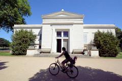 Schloss Charlottenhof im Park Sanssuci / Potsdam - Klassizismus Architektur.