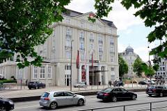 Historische Architektur Hamburg - ehem. Hotel Esplande, jetzt Spielbank.