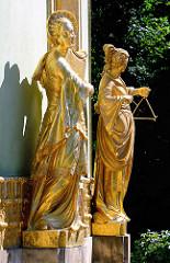 Vergoldete Sandsteinplastiken am Chinesischen Pavillon im Park Sanssouci - Bildhauer Johann Gottlieb Heymüller und Johann Peter Benkert.