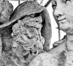 Detail Skulpturen vom Neuen Palais in Potsdam.
