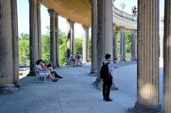 Kolonnaden beim Ehrenhof -  Nordseite vom Schloss Sanssouci / Potsdam.