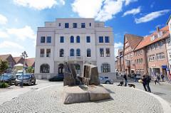 """Neubau Am Markt in Dannenberg - Teile der alten Fassade des 2007 ausgebrannten Hotels """"Ratskeller"""" wurden wiederverwendet."""