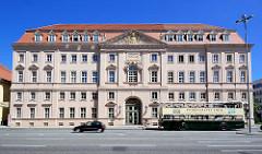 Gebäude vom Großen Militär-Waisenhaus in Potsdam, barocker Architekturstil.