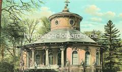 Historische Ansicht vom Chinesischen Haus - Chinesisches Teehaus; Gartenpavillon im Park Sanssouci in Potsdam. Friedrich der Große ließ den Baumeister Johann Gottfried Büring 1764 den Pavillon im Zeitgeschmack der Chinoiserie, eine Mischung von o