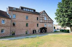 Ehem. Mühlengebäude in Wusterhause, Dosse; jetzt Hotel und Restaurant.