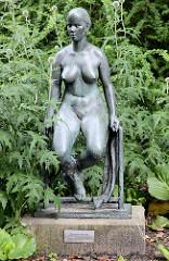 Bronzeplastik Schwimmerin - Aktfigur Fritz Cremer, 1959 - Freundschaftinsel Potsdam.