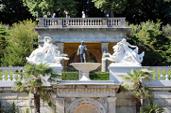 Brunnenanlage beim Sizilianischem Garten im Park von Sanssouci in Potsdam.