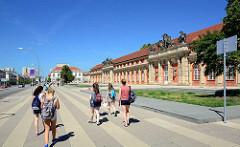 Marstallgebäude vom Stadtschloss in Potsdam - ursprünglich eine Orangerie, umgebaut 1746 zum königlichen Reitpferdestall - Baumeister Georg Wenzeslaus von Knobelsdorff. Seit 1981 Sitz vom Filmmuseum Potsdam.