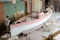 Bau des Daysailors auf der Lütje Yachtwerft in Hamburg Kaltehofe.