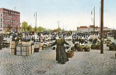 Historisches Motiv aus der Altstadt Hamburgs - Blick vom Markt am Messberg zum Deichtorplatz; die Gemüsehallen sind noch nicht gebaut - im Hintergrund Gebäude am Stadtdeich.