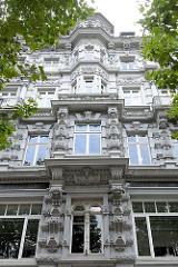 Prächtige Gründerzeitarchitektur, Hausfassade  an der Michaelisbrücke / Admiralitätsstrasse in der Neustadt Hamburgs.