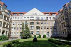 Repräsentatives mehrstöckiges Wohngebäude - Baustil Historismus, Jugendstil; Hans Sachs Strasse Potsdam.