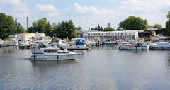 Marina Zehdenick - Sportboothafen an der Havel.
