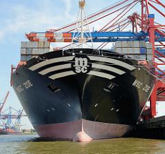 Bug des Containerschiffs MSC ZOE im Hafen Hamburgs - Containerbrücken vom Container Terminal EUROGATE: