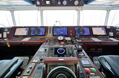 Brücke des Containerfrachters MSC ZOE.