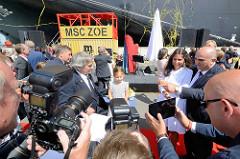 Taufe des Containerschiffs MSC ZOE im Hamburger Hafen -  Taufpatin und Namensgeberin ist die vierjährige Zoe Vago, eine Enkelin des Firmengründers und MSC-Vorstandsvorsitzenden Gianluigi Aponte.