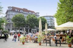 Restaurants, Aussengastronomie auf der Fleetinsel, Stadthausbrücke im Hamburger Stadtteil Neustadt.