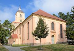 Evangelische Stadtkirche von Zehdenick; ursprünglich als Feldsteinquadermauerwerk 1250 erbaut - jetzige Gestalt Wiederaufbau 1812.