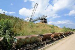 Ziegeleipark Mildenberg / Zehdenick; Industriemuseum auf dem Gelände zweier Ziegeleien, die bis 1991 in Betrieb waren - Loren und Förderanlage