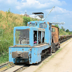Ziegeleipark Mildenberg / Zehdenick; Industriemuseum auf dem Gelände zweier Ziegeleien, die bis 1991 in Betrieb waren - Feldbahn, Lokomotive - Loren und Förderanlage