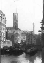 Blick über das Bleichenfleet zur Alten Post - re. die Elektrische Centralstation in der alten Stadtwassermühle - das erste städtische Kraftwerk, das seit 1888 Strom lieferte.