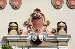 Detail vom Amtsgericht Zehdenick - errichtet 1911 im neobarocken Baustil.
