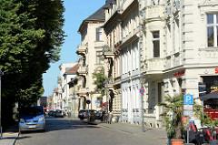 Wohnhäuser / Geschäft in der Hegelallee / Potsdam, Ecke Lindenstrasse.