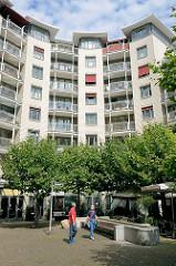 Moderne Wohnbebauung in der Hamburger Innnenstadt / Neustadt - Hinterhof in der ABC-Strasse.