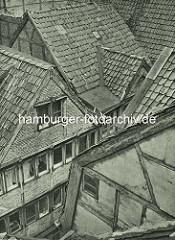 Alte Fotos aus dem Gängeviertel Hamburgs - Hausdächer im Kornträgergang.