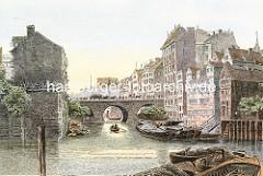 Ellerntorsbrücke über das Herrengrabenfleet in Hamburg Neustadt - die 1668 errichtet Brücke ist die zweitälteste Brücke in der Hansestadt Hamburg. Beladene Schuten / Kähne liegen am Ufer des Fleets - Pferdewagen und Fussgänger auf der Brücke.
