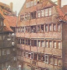 Historische Ansicht vom Geburtshaus von Johannes Brahms in dem Hamburger Gängeviertel der Neustadt - Specksgang / Speckstrasse.
