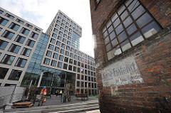 Alt und Neu - Brahmsquartier, historische Backsteinarchitektur - Hamburger Neustadt.