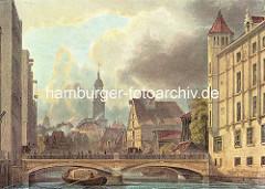 Hamburgensie - historische Ansicht aus der Hamburger Neustadt - Blick über das Bleichenfleet zur Bleichenbrücke. Im Hintergrund Fachwerkgebäude, Wohnhäuser und Speichergebäude mit Winde unter dem Dach - Kirchturm der St. Michaeliskirche; ein Las