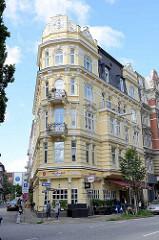 Gründerzeitgebäude, Wohnhaus mit Ladengeschäft, Restaurant in der Kaiser-Wilhelm-Strasse, Hamburger Neustadt.