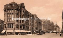 Blick vom Rathausplatz zum Commeterhaus in der Mönckebergstrasse - historische Fotos aus der Hamburger Altstadt.