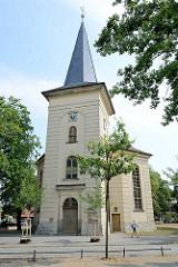 Friedenskirche am Weberplatz in Babelsberg - erbaut 1753, schlichter Barock - Architekt Johann Boumann.