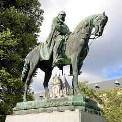 Bronzestatue, Kaiser Wilhelm II auf einem Pferd; Sievekingplatz, Wallanlagen Hamburger Neustadt.