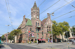 Ehem. Rathaus von Nowawes - Backsteingotik, erbaut 1899; Architekt Otto Kerwien - jetzt Kulturhaus, Rudolf-Breitscheid-Straße von Babelsberg / Potsdam.