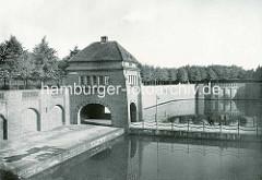 Hafen am Goldbekkanal, Südring - Eingang zum Stadtpark / Stadthalle.