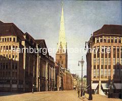 Historisches Hamburgbild - Blick vom Gerhart Hauptmann Platz in die Mönckebergstrasse - Kirchturm der St. Petrikirche.