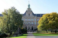 Ziviljustizgebäude am Hamburger Sievekingplatz / Justizforum; erbaut 1903, Architekt Hans Zimmermann.