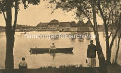 Blick über den Stadtparksee zur Stadthalle - Ruderboot.