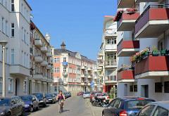 Unterschiedliche Bauformen - Fassadengestaltung; historische und moderne Architektur in Babelsberg / Potsdam.