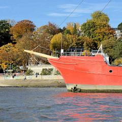 Schiffsbug vom Museumsschiff Elbe 1 - Feuerschiff im Museumshafen Oevelgönne, Hamburg Othmarschen.
