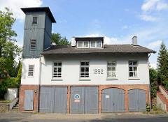 Historisches Gebäude mit Schlauchturm - Freiwillige Feuerwehr Reinbek, 1892.