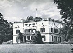 Altes Foto vom historischen Jenischhaus im Jenischpark - Hamburg Othmarschen.